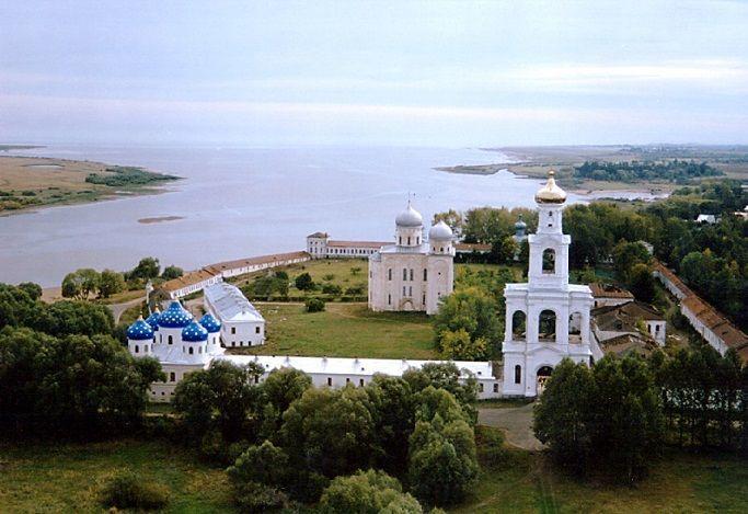 Сдать макулатуру в Великом Новгороде