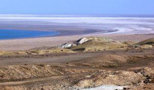 Дно высохшего моря – пустыня Аралкум это соленые пески