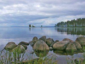 Онежское озеро богато островами, их здесь более 1500