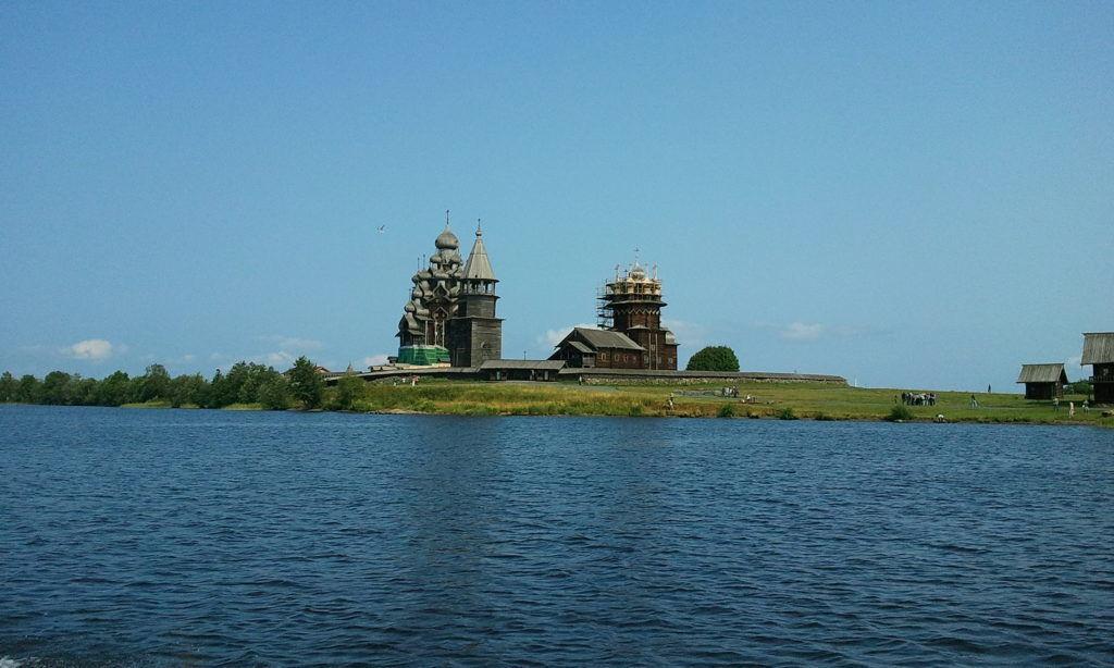 Петроглифы на восточном берегу Онежского озера