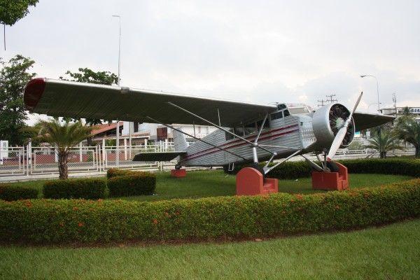 Самолёт Джеймса Энджела, на котором он достиг водопада Анхель