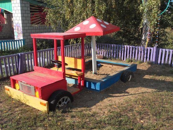 детская песочница в виде машины
