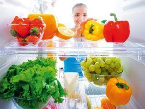 Хранение фруктов и овощей в холодильнике спасет от появления мошек