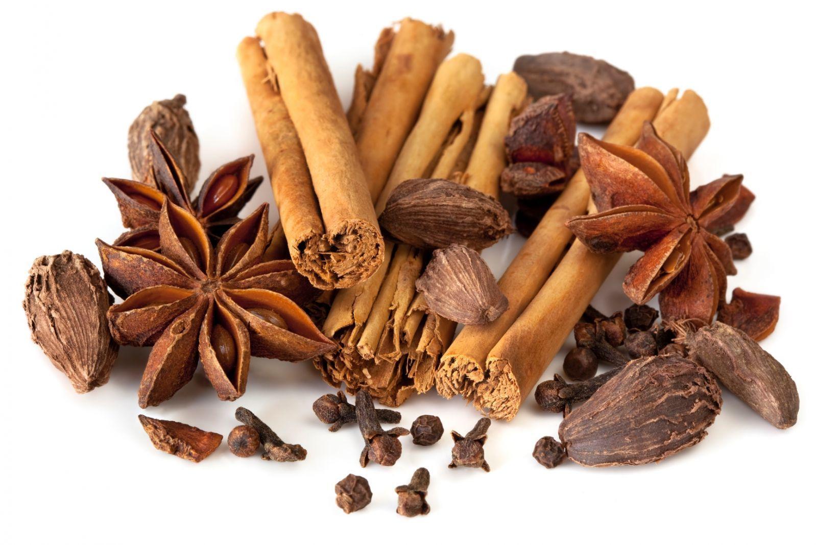 Специи для добавления в раствор ванили (гвоздика, корица, бадьян)