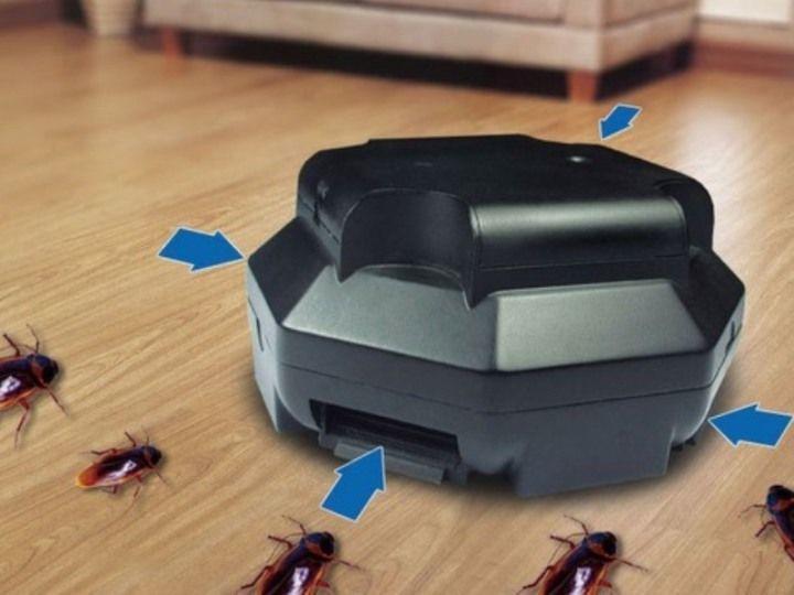 Когда таракан попадет в электроловушку, он погибает под влиянием разряда электрического тока