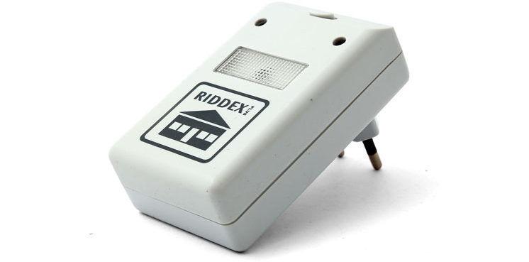 Ультразвуковой репеллент Riddex эфективен от мошек дома