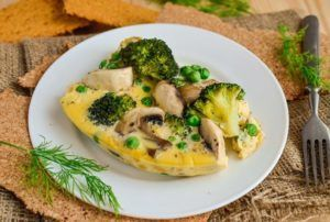 Паровой омлет со свежими овощами