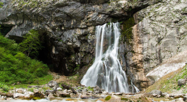 Гегский водопад – шедевр