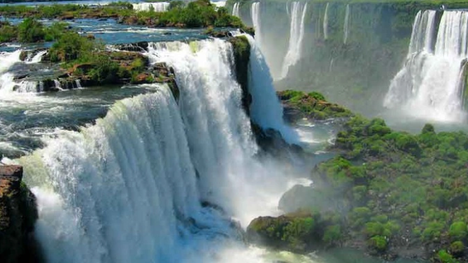 Самый большой в мире водопад Виктория