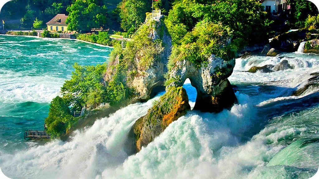Рейнский водопад - жемчужина Швейцарии